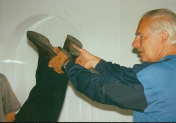 Die Messung der scheinbaren Beinlängendifferenz ist die Basis der Dorn-Methode